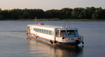Астраханские речники начали перевозки по локальным маршрутам