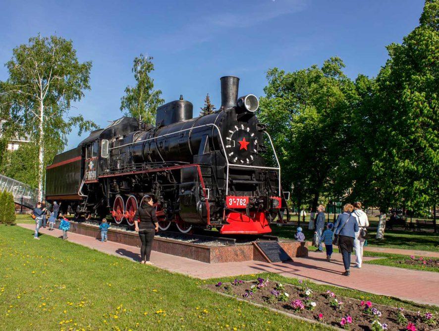 На вокзале Воронеж-1 открылась выставка детских рисунков, посвященная Дню семьи, любви и верности