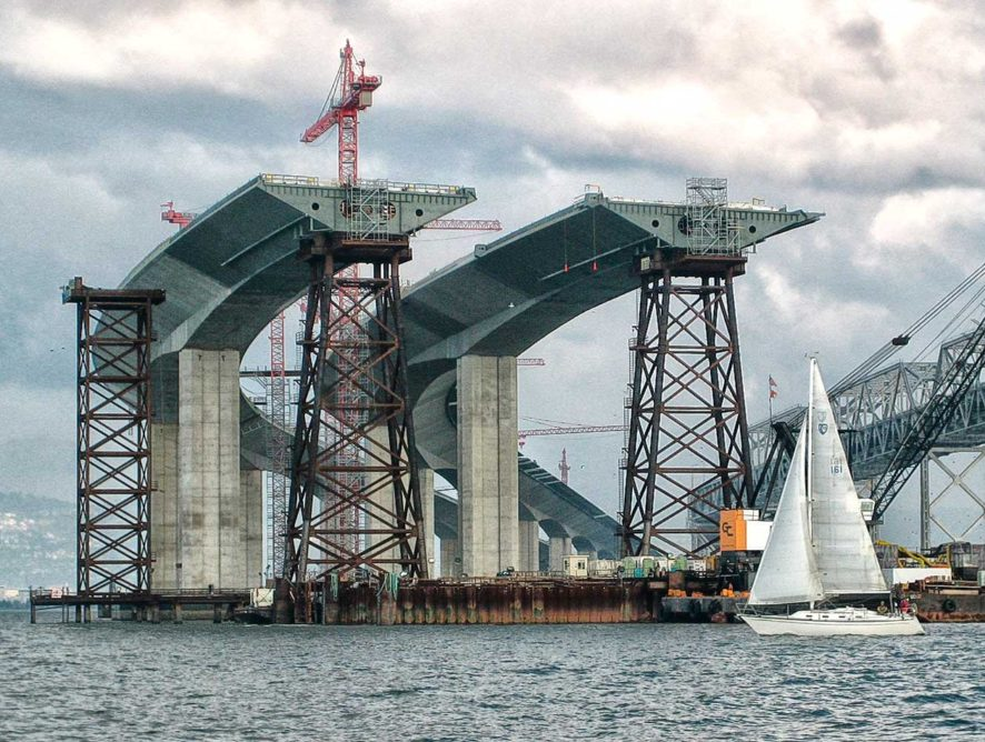 Первый ж/д мост через Амур между РФ и КНР введут в эксплуатацию в середине 2019 года