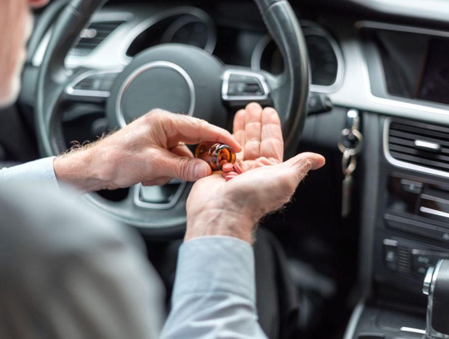 Госавтоинспекция предлагает создать список опасных для водителей лекарств