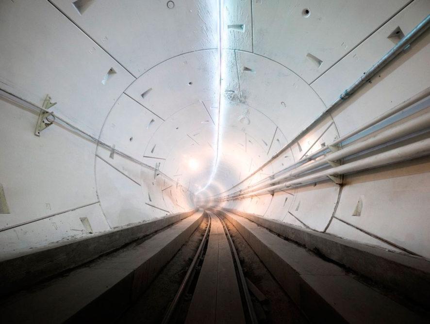 Илон Маск открыл первый скоростной подземный тоннель в Лос-Анджелесе