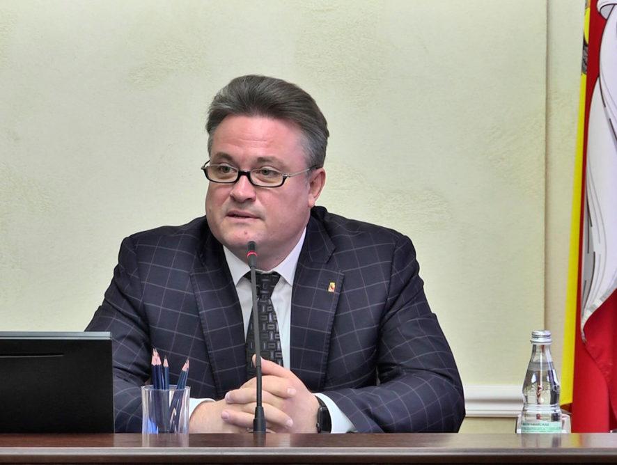Мэр Воронежа Кстенин пригрозил коммунальщикам следственным комитетом