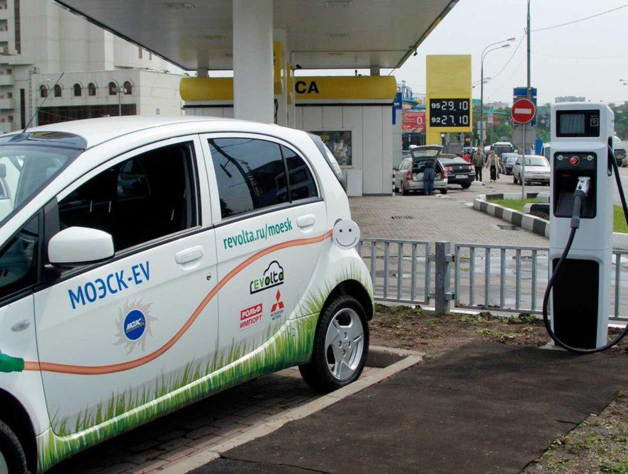 Минтранс ответил на идею ввести льготы на платные дороги для электрокаров