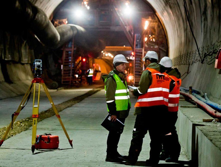 Километровый железнодорожный тоннель проложили на подходах к Крымскому мосту возле Керчи