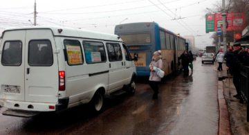 Тысяче студентам власти доверили следить за маршрутками Воронежа