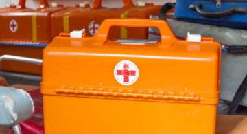 Под Воронежем микроавтобус сбил дорожного рабочего: пострадали трое