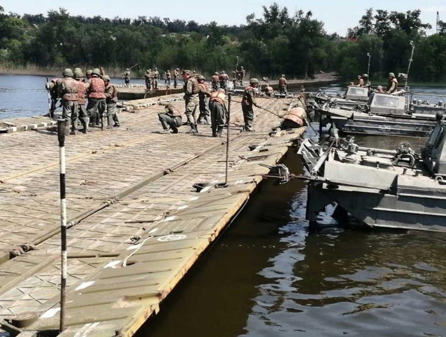 В Ростовской области открыли движение по понтонному мосту на М-4 через Северский Донец