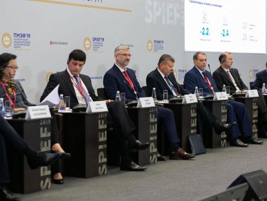 Евгений Дитрих: Регионам выделят 20 млрд рублей на транспорт на газомоторном топливе