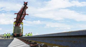 На Крымском мосту построен первый железнодорожный путь