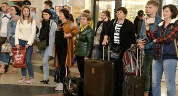 На вокзале Воронеж-1 пассажиры отправлялись в путь под добрые песни