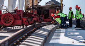 На Крымском мосту состыкованы рельсы второго железнодорожного пути