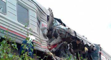Пассажирам поездов угрожают автомобили