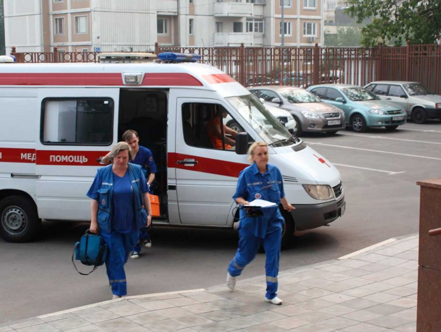 В России ужесточили наказание за непропуск скорой