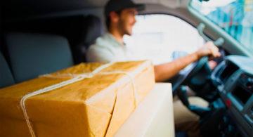 Российские сети такси запустили услугу доставки