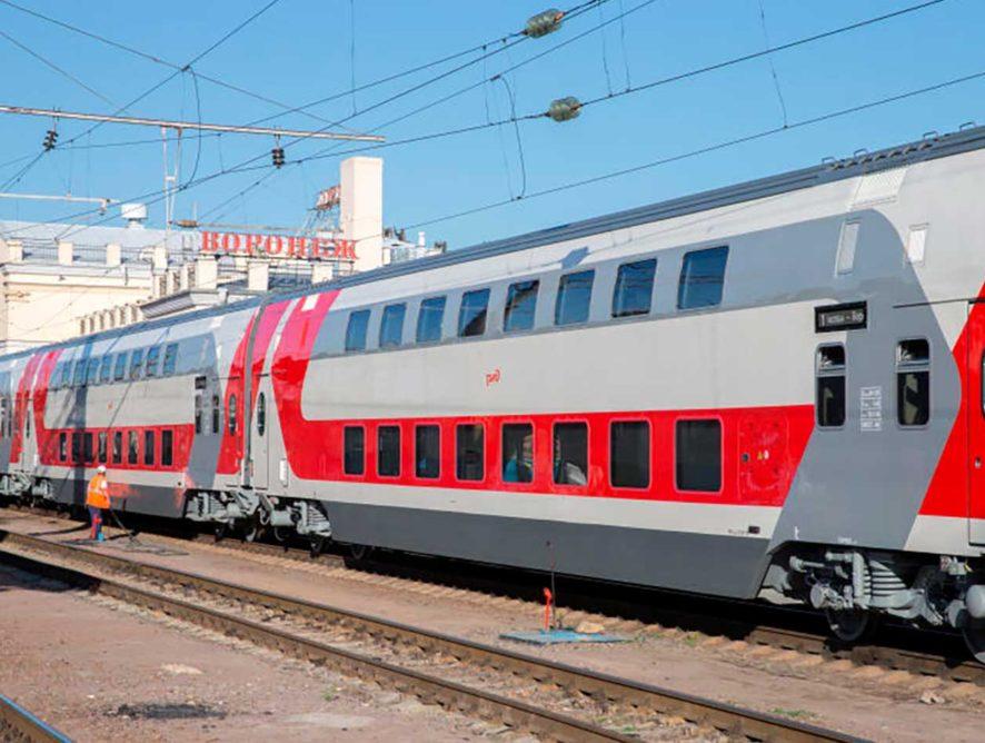 Перевозки пассажиров двухэтажными поездами в августе выросли на 44,2%