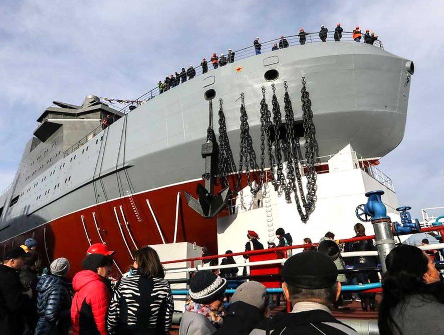 Первый боевой ледокол спустили на воду в Петербурге
