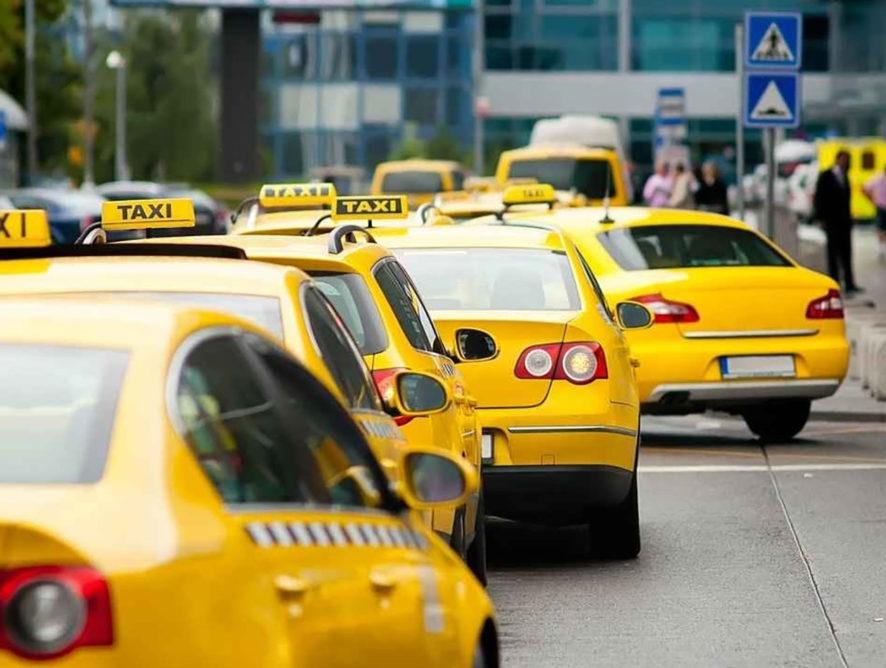 """Роспотребнадзор запускает """"горячую линию"""" по услугам такси и каршеринга"""