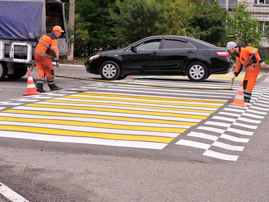 В России на перекрестках появятся приподнятые «зебры» и светофоры с датчиками движения